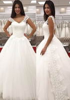 Ball Gown V Neck Sleeveless Long/Floor-Length Tulle Wedding Dress With Appliqued Lace