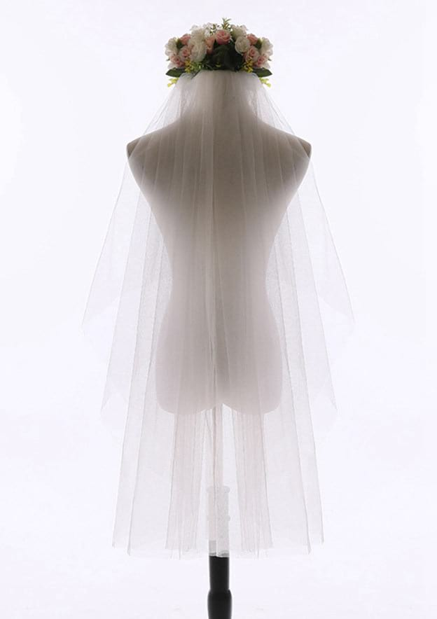 Two-tier Tulle Fingertip Bridal Veils