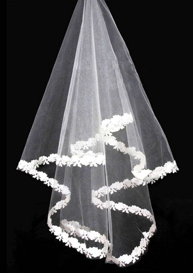 Two-tier Lace Applique Edge Tulle Fingertip Bridal Veils