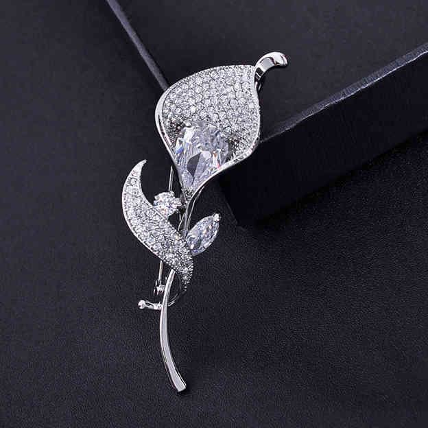 Women's Romantic Silver Brooches With Cubic Zirconia