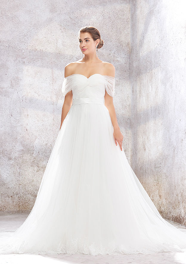 A-line/Princess Sleeveless Court Train Tulle Wedding Dress With Pleated